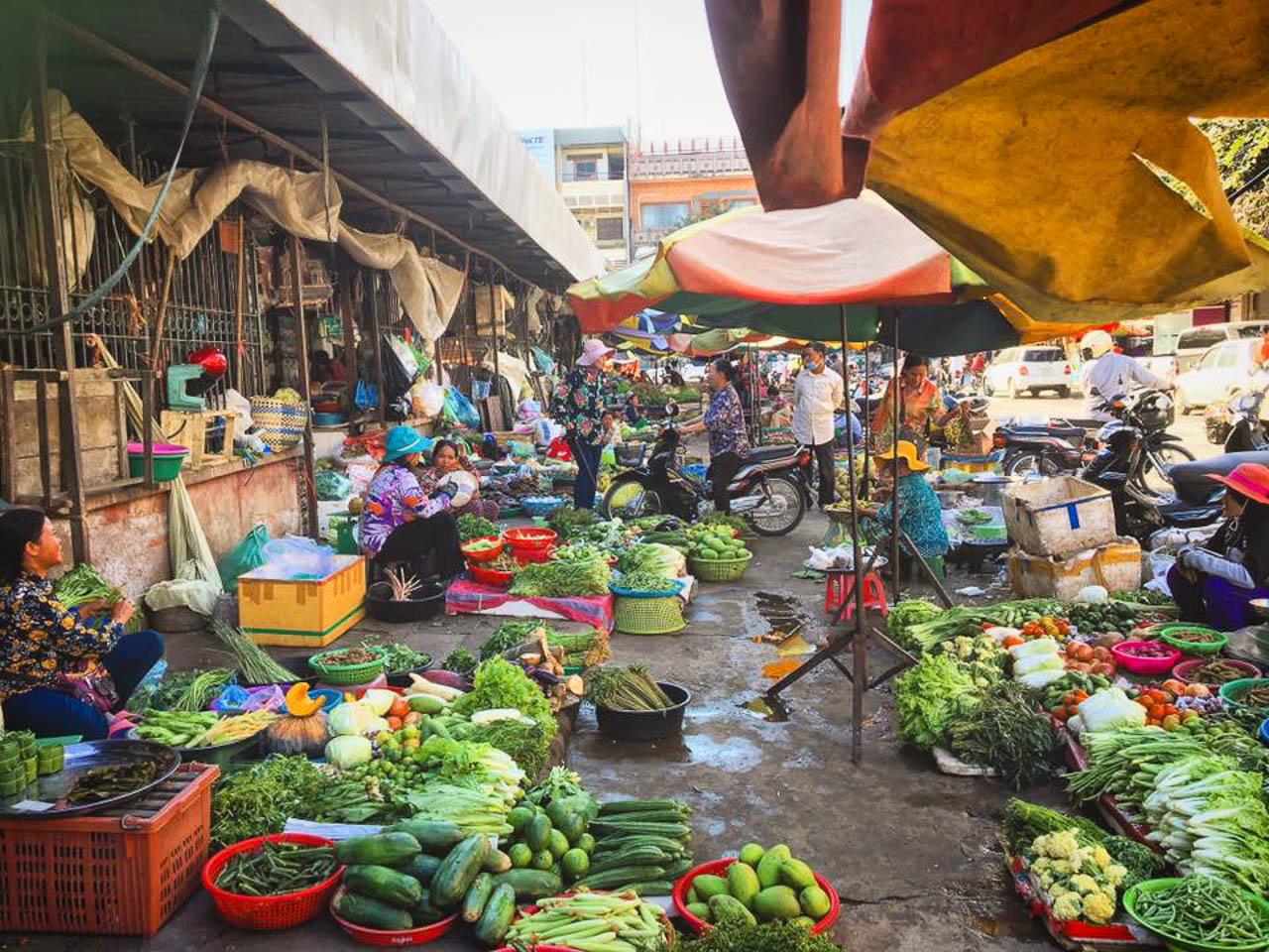 A good cooking class always starts with a trip to the local market.