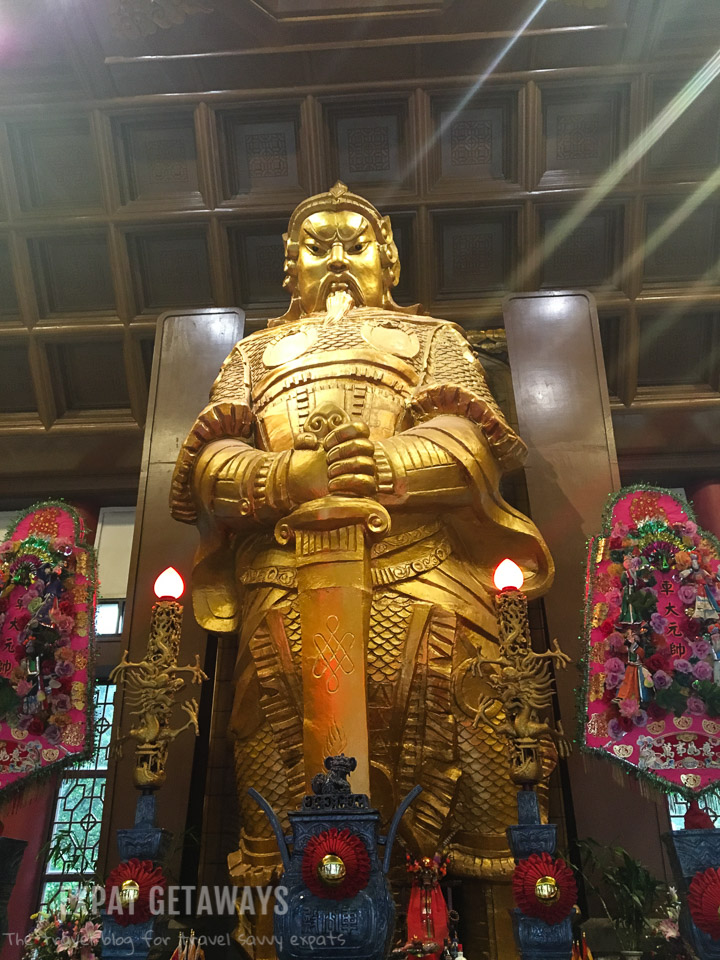 The Che Kung Temple in Sha Tin is dedicated to a legendary warrior. A unique visit on your next trip to Hong Kong.