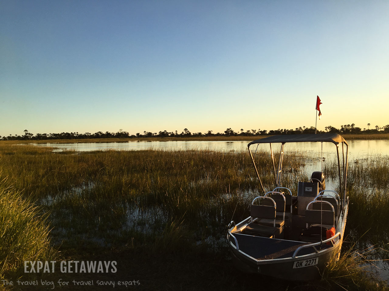 At Gunns Camp you mostly explore the Okavango Delta by safari boat. The best game viewing is at sunrise and sunset. Expat Getaways 2 Weeks Southern Africa, Botswana.